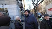 Folla e commozione ai funerali di Gualtiero Marchesi, lo chef Antonino Cannavacciuolo (foto Newpress)