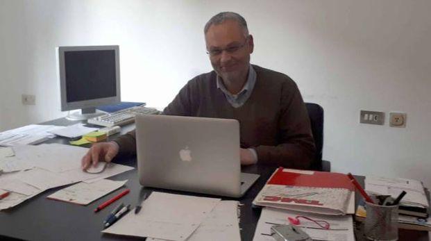 Chiuro, l'imprenditore edile Stefano Tornadu' nell'ufficio dell'impresa