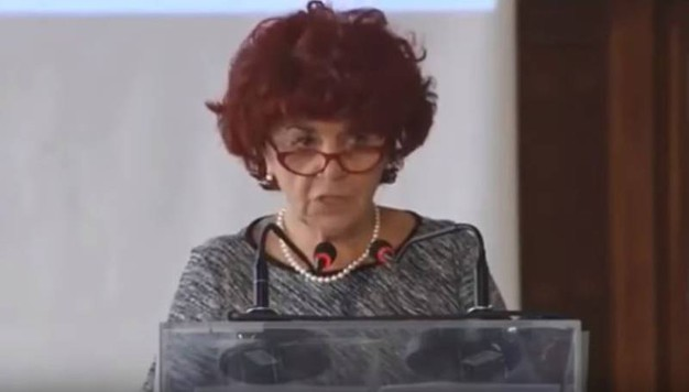 Il ministro Fedeli inciampa sulla grammatica