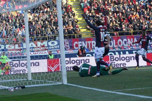 Danilo devia il pallone e inganna un incolpevole Bizzarri (foto Ansa)