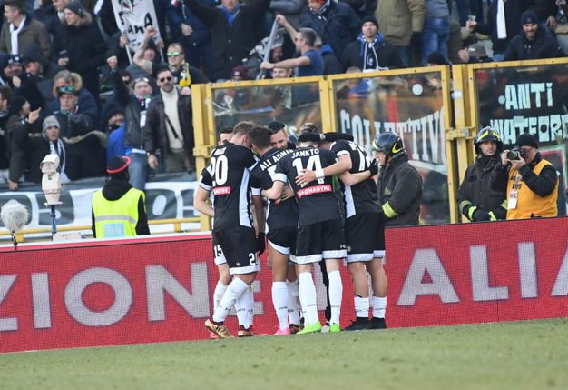 L'esultanza dell'Udinese (foto Schicchi)