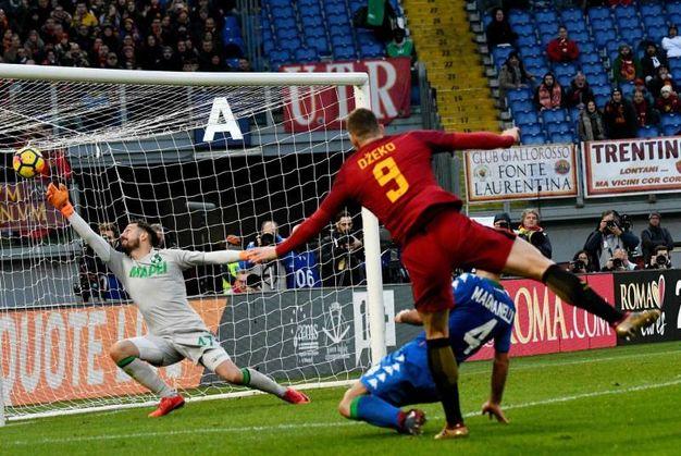 Il gol di Dzeko, poi annullato dal Var (foto Afp)