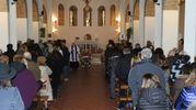 Un momento del funerale (foto Scardovi)