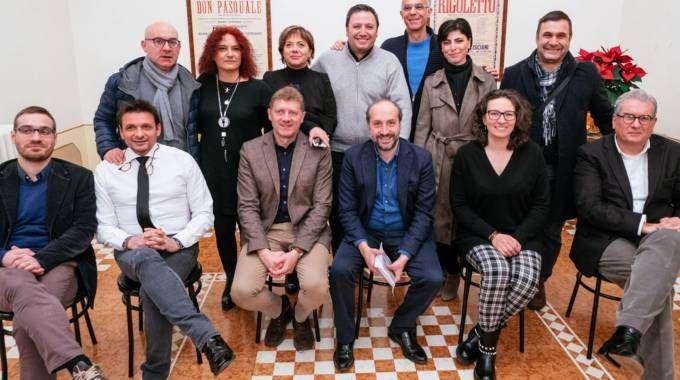 Il sindaco con assessori, consiglieri comunali e la presidente Massucci (Zeppilli)
