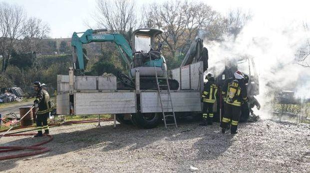 Il camion che ha preso fuoco
