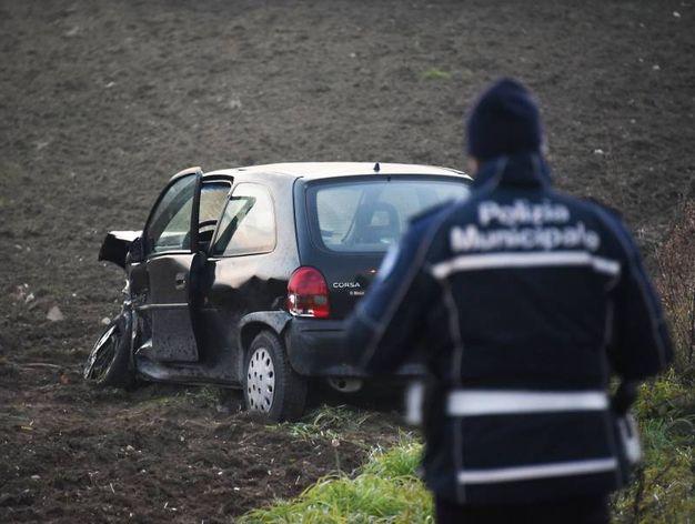 Indagini e rilievi della polizia municipale (foto Migliorini)