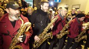 La sfilata delle marching band (Foto Gianluca Moggi / New Press Photo)