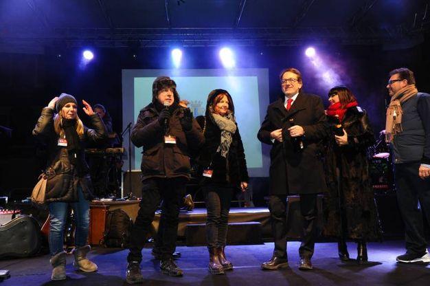 Anche il sindaco Muzzarelli sul palco (FotoFiocchi)