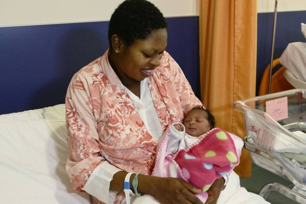 Prato, Vanessa oOayaomo Omobude è la prima nata a Prato nel 2018 (Attalmi)