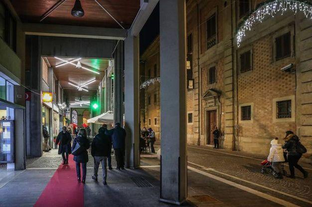 Fa discutere l'illuminazione da discoteca di via San Francesco (Fotoprint)