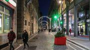 Capodanno a Pesaro: fa discutere l'illuminazione da discoteca di via San Francesco  (Fotoprint)
