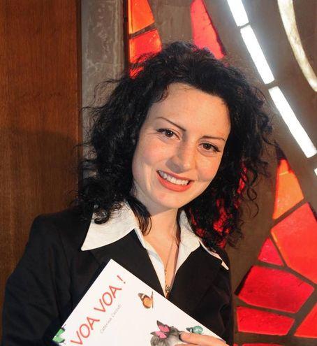 """Caterina Ceccuti alla presentazione del suo libro """"La generatrice di miracoli"""" (New Press Photo)"""