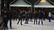 Anche il pattinaggio sul ghiaccio per festeggiare il nuovo anno (foto Artioli)