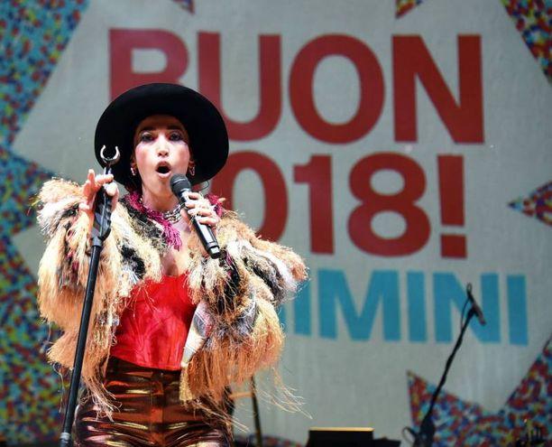 Nina Zilli sul palco (Foto Migliorini)
