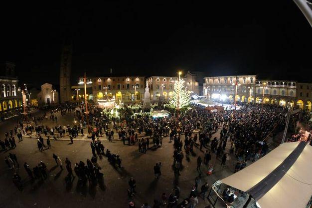 La splendida cornice di piazza Saffi (foto Frasca)