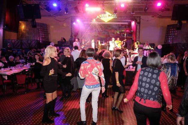 Tutti a ballare al Naima (foto Frasca)