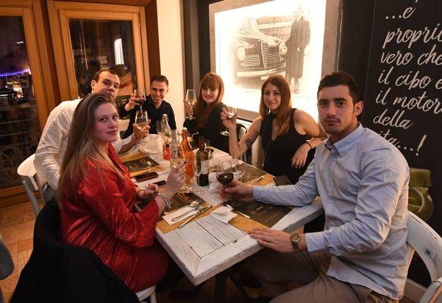 La tradizionale cena di fine anno da 'Adesso Pasta' (FotoSchicchi)