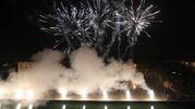 Fuochi d'artificio per illuminare la notte del nuovo anno (foto Zani)