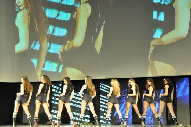Un gruppo di ballerine (Foto Concolino)