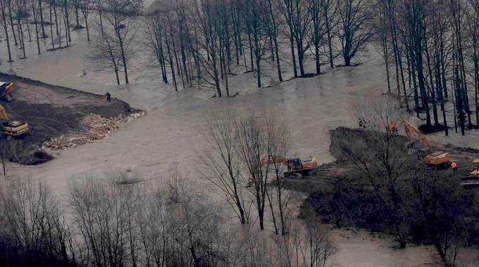 La rottura dell'argine del Secchia e il soccorso di alcuni  alluvionati