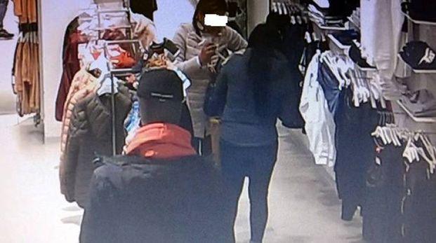 Immagine ripresa dalla telecamera del negozio