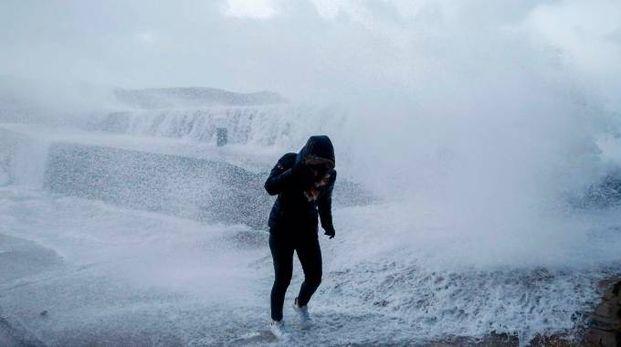La tempesta Eleanor in Normandia (Afp)