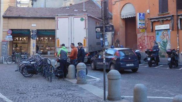 Nella foto del nostro lettore William Pollini, il camion incastrato