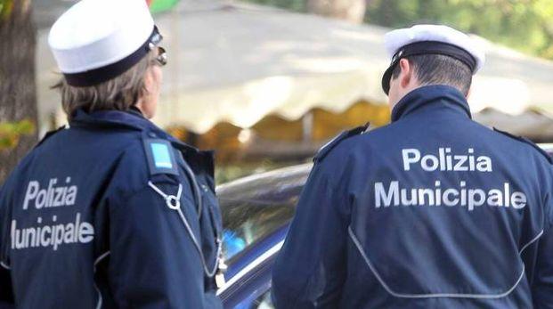 Sul posto la polizia municipale (foto archivio Bp)