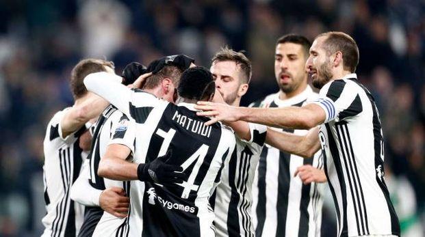 Juve-Torino 2-0: i bianconeri festeggiano la vittoria in Coppa Italia (Lapresse)