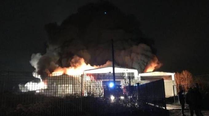 Incendio a Corteolona (Twitter Arpa Lombardia)