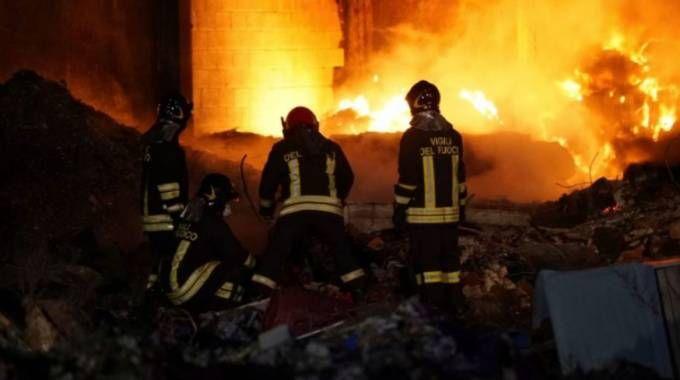Incendio a Corteolona (Facebook)