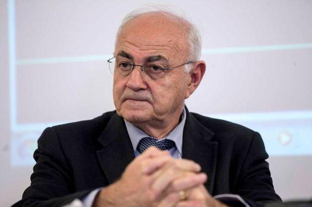 Il fondatore di Adusbef Elio Lannutti (Imagoeconomica)