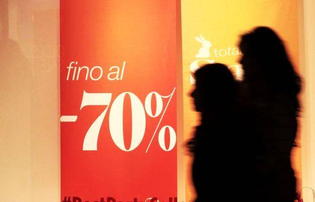 Saldi a Bologna, 9 consigli per evitare fregature - Cronaca ...