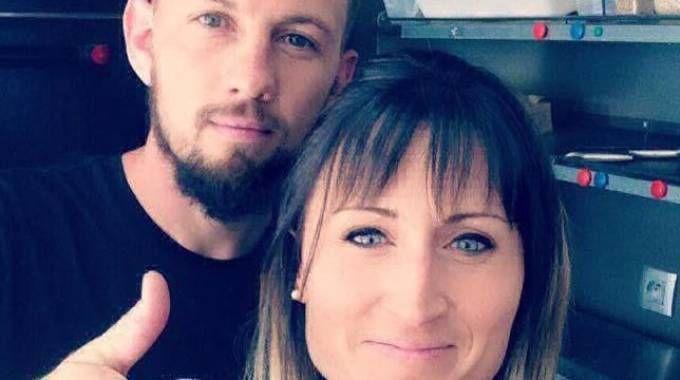 I coniugi francesi morti nello scontro sulla A21 assieme ai figli e all'autista del camion