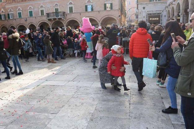 Centinaia i bimbi in attesa (LaBolognese)