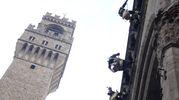 La befana in piazza della Signoria (foto Gianluca Moggi/New Pressphoto)