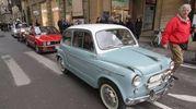 La Befana dei vigili con le auto d'epoca (foto Umberto Visintini/New Pressphoto)