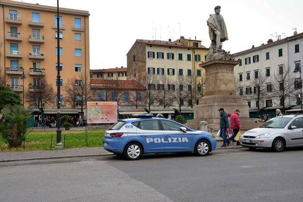I controlli della polizia (foto Simone Lanari)