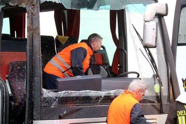 L'incidente del pullman scolastico a Castellucchio (Lapresse)