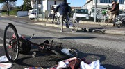 La bici dopo lo schianto (foto Migliorini)