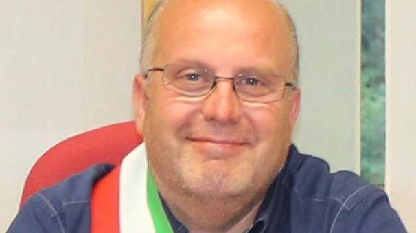 Il sindaco Simone Songini