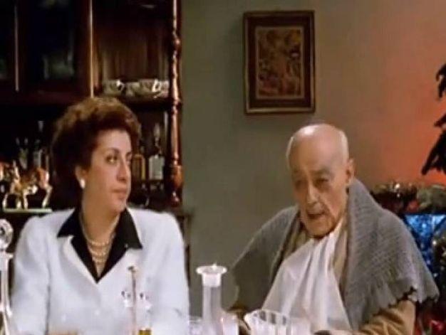 """Novello Novelli, con Athina Cenci, in una scena di """"Benvenuti in casa Gori"""""""