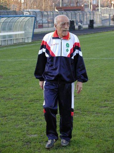 Novello Novelli in versione allenatore di calcio (Attalmi)