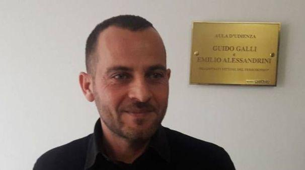 Mario Galliano è stato derubato dell'identità  da due sconosciuti