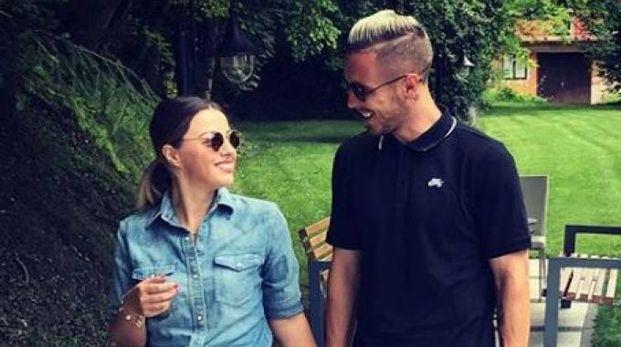 Kurtic e la sua futura sposa (Foto Instagram)