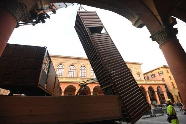 I nuovi container in piazza Verdi (foto Schicchi)