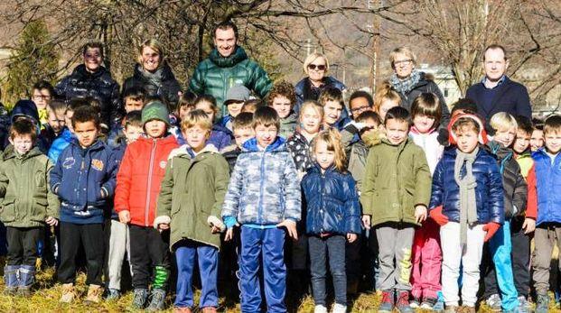 Ivan Basso con gli alunni