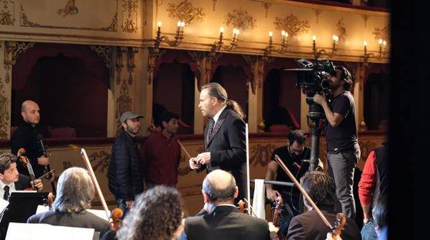 Franco Nero nei panni di direttore d'orchestra al teatro Rossini (Fotoprint)