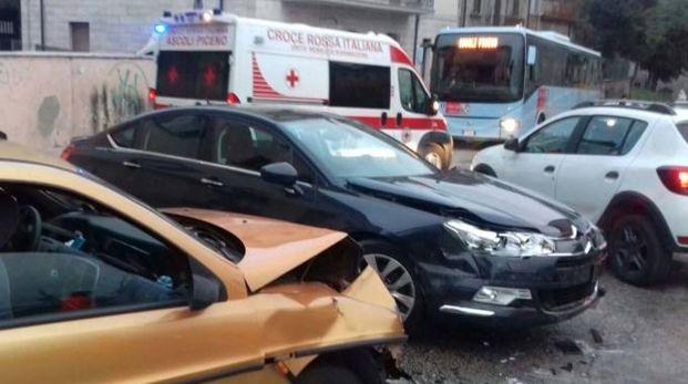 L'ultimo episodio, mercoledì si sono scontrate due auto: quattro feriti