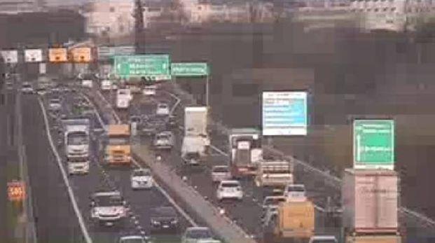Il traffico sulla A11 comincia già da Prato Est (foto webcam Autostrade)
